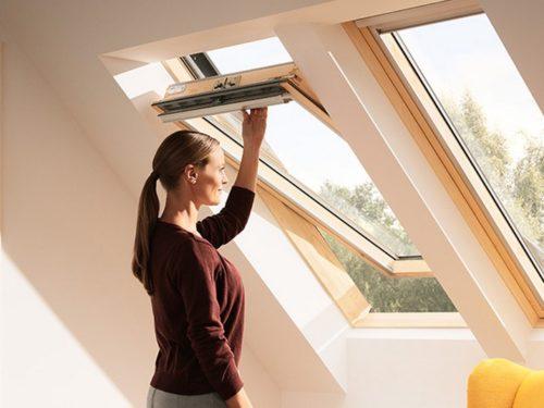 VELUX dřevěné střešní okno 308 GZL 78×140 DOPRODEJ